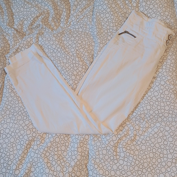 Dynamite white cropped pants